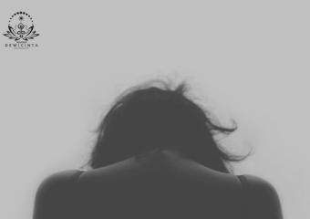 DISAKITI, DIKHIANATI DAN TAK DICINTAI SEPENUH HATI OLEH SUAMI?